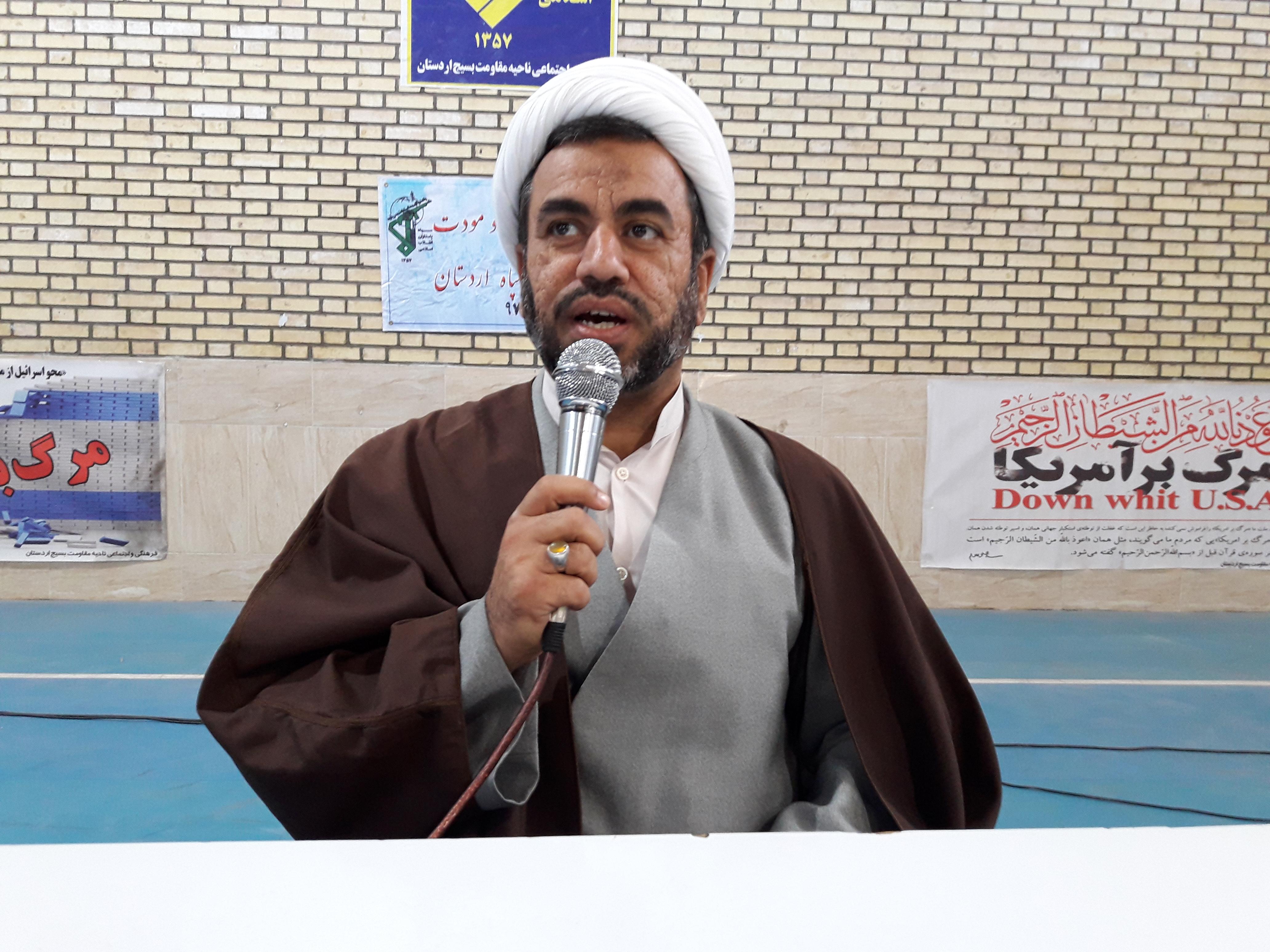 پیشرفت انقلاب اسلامی در گرو تفکر جهادی و انقلابی است