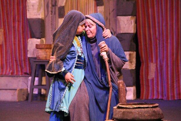 استقبال ۴ هزار نفری از نمایش خاتون در اردستان