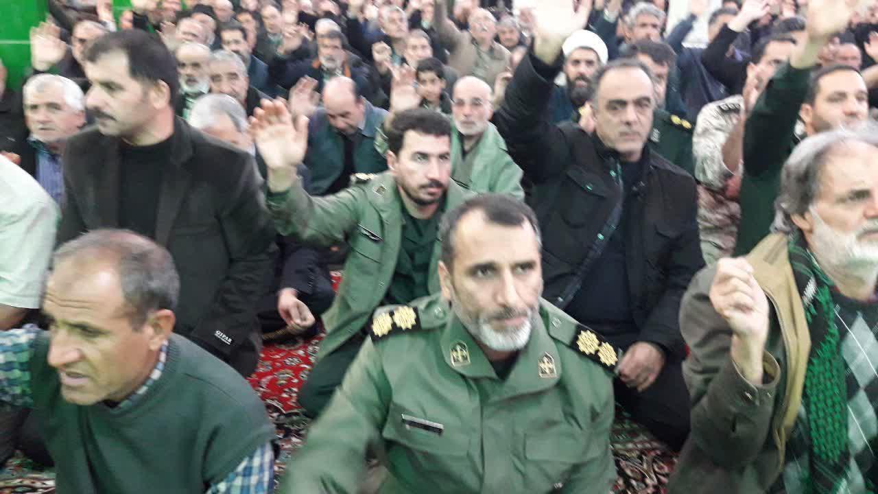 مردم اردستان در سوگ شهید سلیمانی عزاداری کردند/ تصاویر
