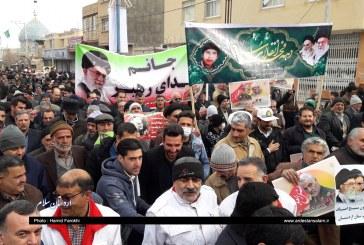 خروش مردم انقلابی اردستان در راهپیمایی ۲۲ بهمن/تصاویر