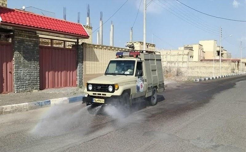 ضدعفونی معابر و اماکن اردستان توسط ارتش/تصاویر