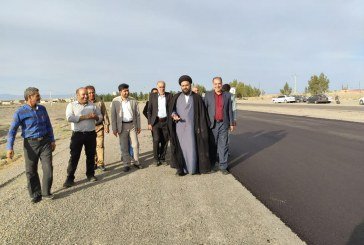 عملیات اجرایی آسفالت باند دوم جاده زواره به اردستان آغاز شد