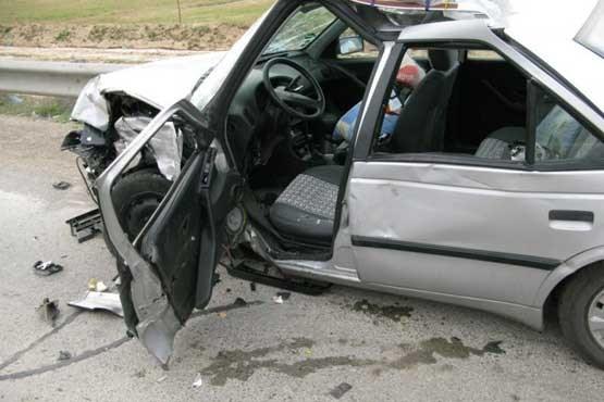 واژگونی خودرو در محور نائین-اردستان ۲ کُشته و ۱۰ زخمی برجای گذاشت