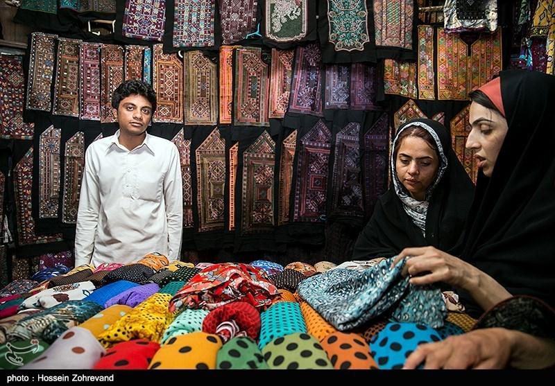 دوگانگی برخورد با کرونا در اردستان؛ بازار روز به چه قیمت همچنان فعال است؟