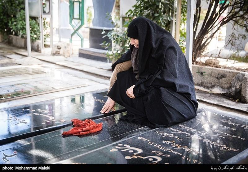 انقلاب اسلامی کرامت زن ایرانی را با تاسی از خط حضرت زهرا (س) زنده کرد